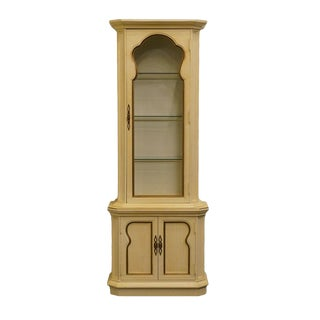 "Mount Airy Country French Provincial 28"" Display / Curio Cabinet For Sale"