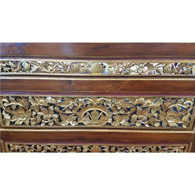 1920s Vintage Chinese Carved Giltwood Screen For Sale - Image 4 of 7