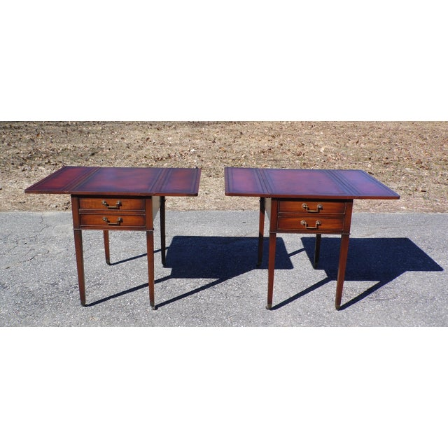 Federal Traditional Pair Federal Leather Top Mahogany Drop Leaf End Tables Nightstands For Sale - Image 3 of 13