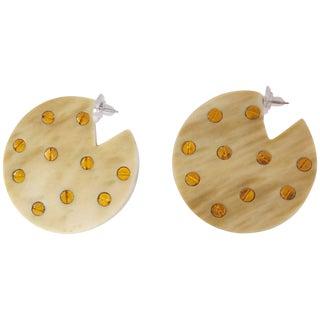 Vanda Jacintho Circular Beige and Brass Pierced Earrings For Sale