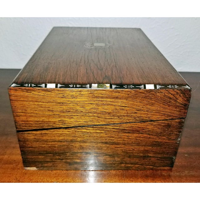 Georgian Early 19c Irish Mahogany Writing Slope With Armorial Crest For Sale - Image 3 of 13