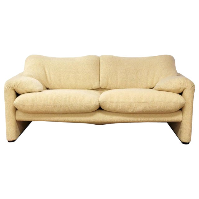 Mid-Century Modern Atelier Int Maralunga Sculptural Loveseat by Magistretti for Cassina For Sale