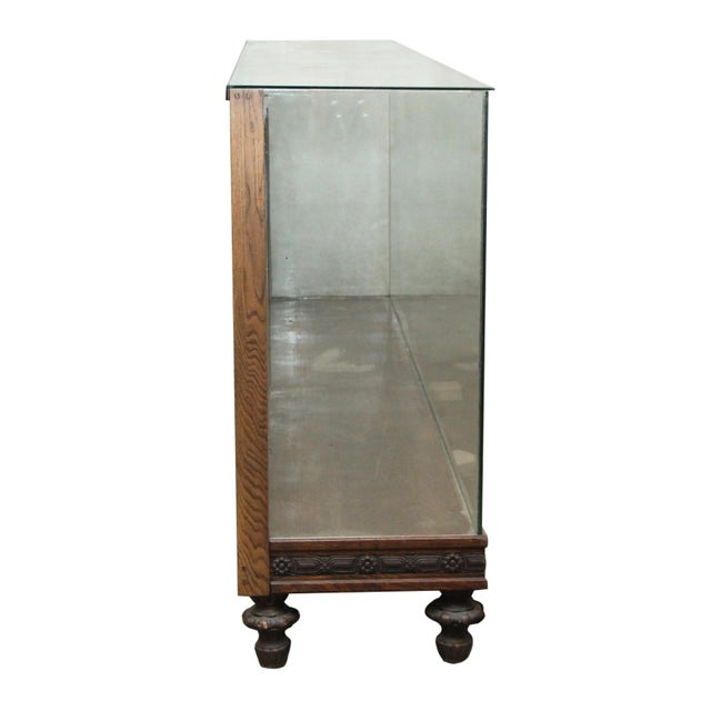 Early 20th Century Large Showcase With Carved Wood Details For Sale - Image 5 of 7