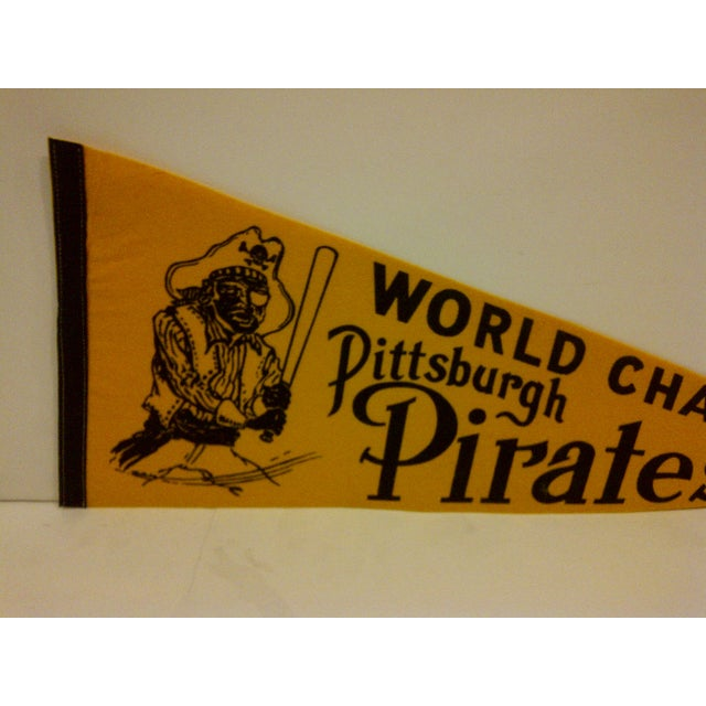 Americana 1971 Vintage MLB Pittsburgh Pirates World Champs Team Pennant For Sale - Image 3 of 5