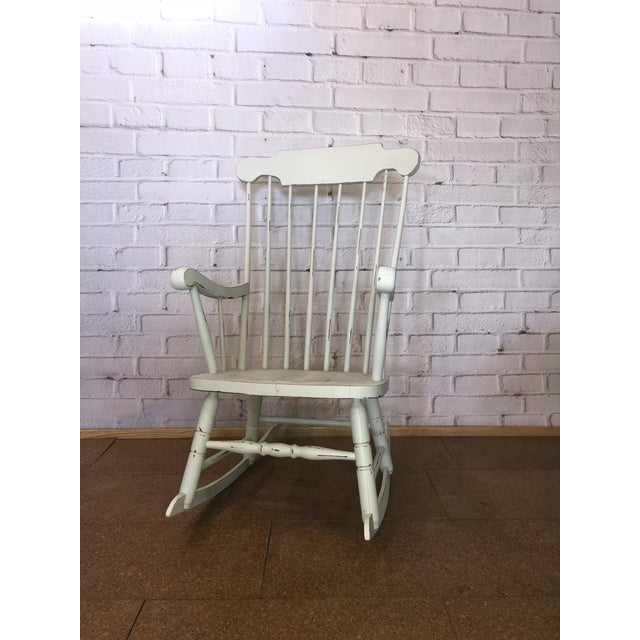 Vintage White Rocking Chair For Sale In Minneapolis - Image 6 of 6 - Vintage White Rocking Chair Chairish