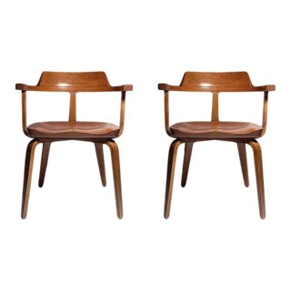 Walter Gropius for Thonet Chairs - a Pair For Sale