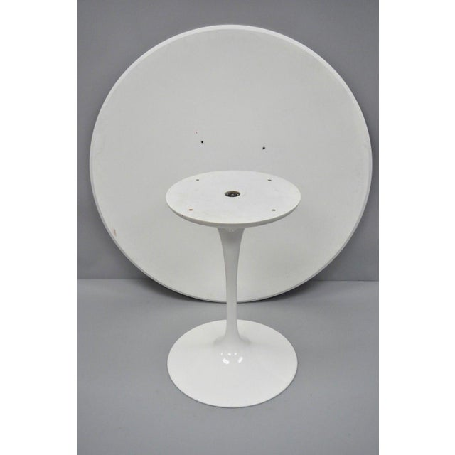 """Metal Contemporary Modern White Saarinen Style Tulip Base 47"""" Round Dining Table For Sale - Image 7 of 12"""