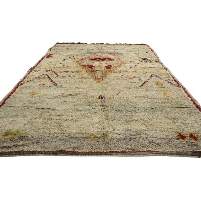 20521 vintage Berber Moroccan Azilal rug with tribal style. This vintage Berber Moroccan Azilal rug with tribal style...
