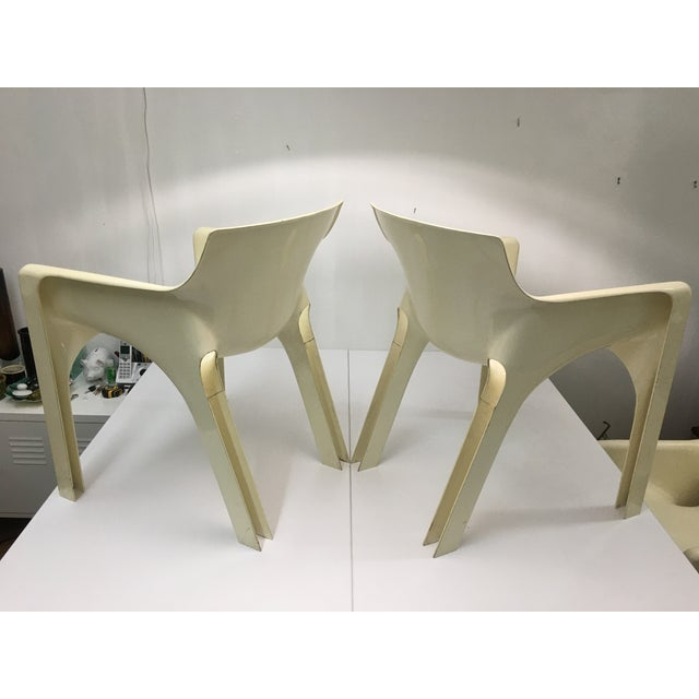Artemide Mid-Century Modern Gaudi Chairs by Vico Magistretti for Artemide - Set of 4 For Sale - Image 4 of 13