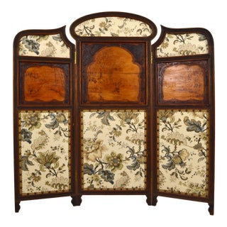 1900 Art Nouveau Three-Panel Folding Screen or Room Divider in Carved Wood For Sale