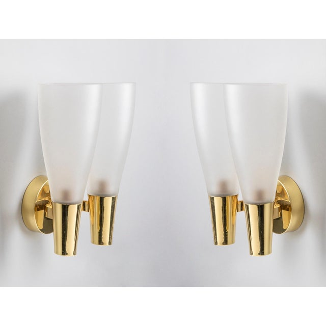 Pietro Chiesa (1892-1948) A refined and modern pair of sconces by modernist glass master Pietro Chiesa for Fontana Arte,...