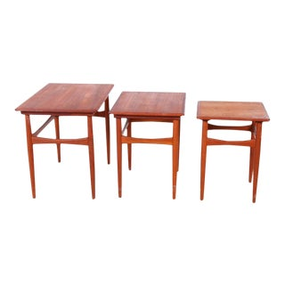 Vintage Danish Modern Berkins Teak Nesting Table Set - 3 Pieces For Sale