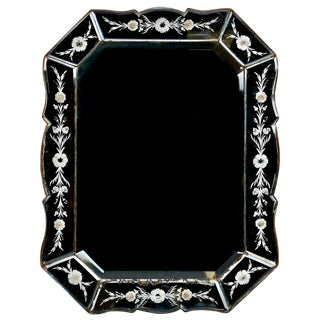 Art Deco Italian Venetian Mirror with Eight-Sided Etched Frame For Sale