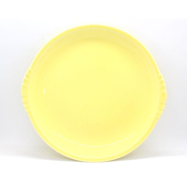 Mid-Century Modern 1930's Paden City Pottery Caliente Shell Serving Plates With Scalloped Edges - Set of 4 For Sale - Image 3 of 9