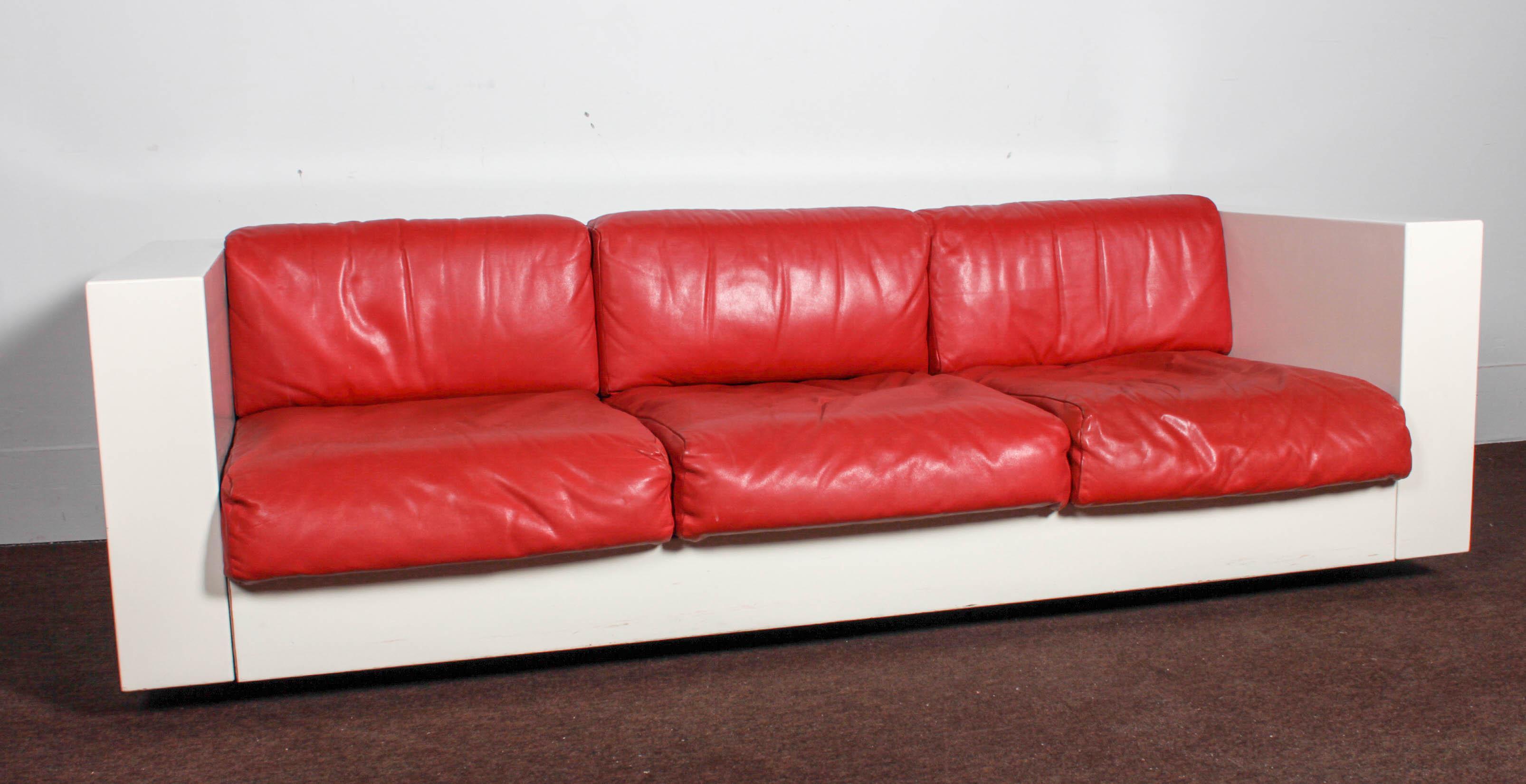 Massimo Vignelli For Poltronova Saratoga Red Leather Sofas   A Pair   Image  3 Of 11