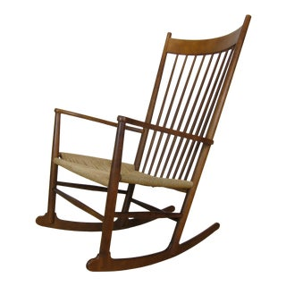 1970s Vintage Hans J. Wegner J16 Beechwood Rocking Chair For Sale