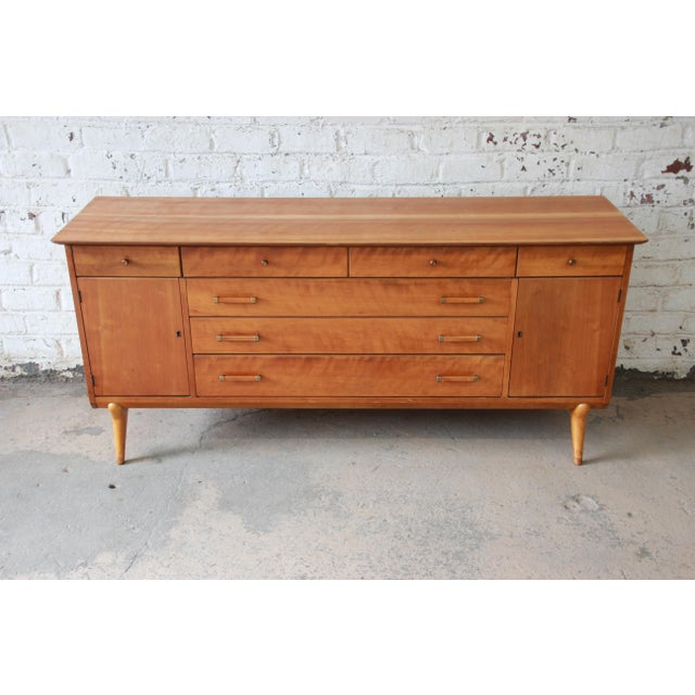 Johnson Furniture Co. Renzo Rutili for Johnson Furniture Co. Mid-Century Modern Sideboard Credenza For Sale - Image 4 of 13