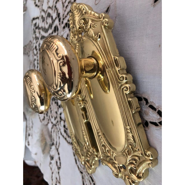 English Traditional Emtek Designer Side Plates Polished Brass Doorknob Set For Sale - Image 3 of 11