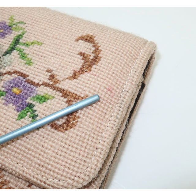 Vintage Floral Needlepoint Envelope Clutch Handbag For Sale In Atlanta - Image 6 of 11