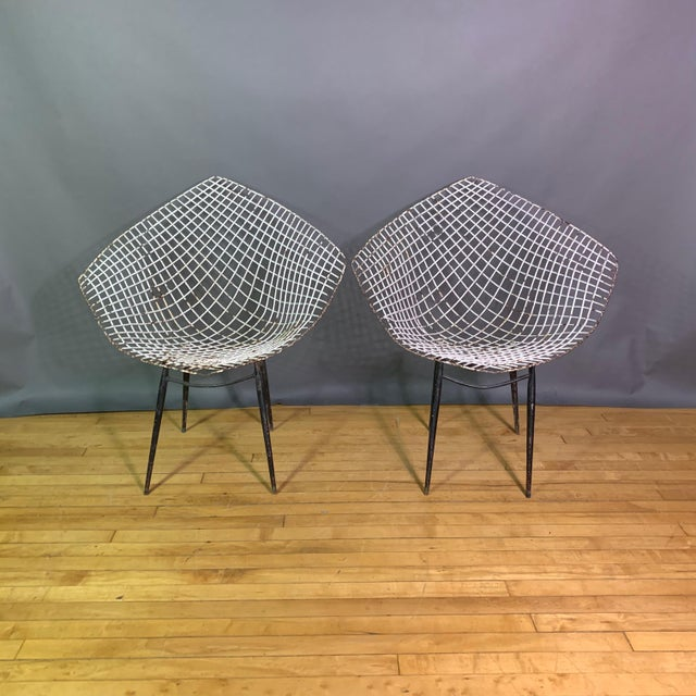 Mid-Century Modern Set of 1970s Iron Diamond Outdoor Chairs, Manner of Bertoia For Sale - Image 3 of 11