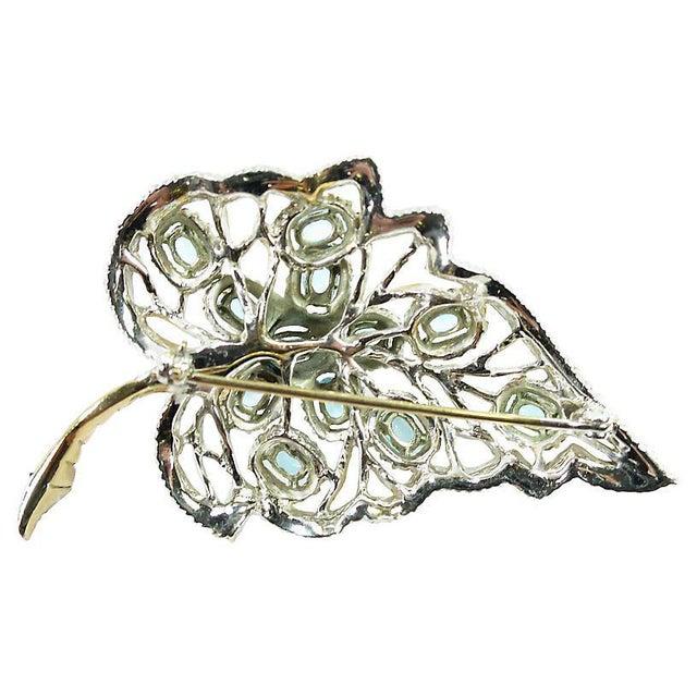Glass Aqua Crystal & Rhodium Leaf Brooch, 1940s For Sale - Image 7 of 8