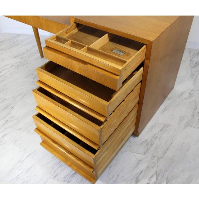 Mid-Century Modern Robsjohn Gibbings for Widdicomb Walnut Cantilever Desk, 1950s For Sale - Image 9 of 11