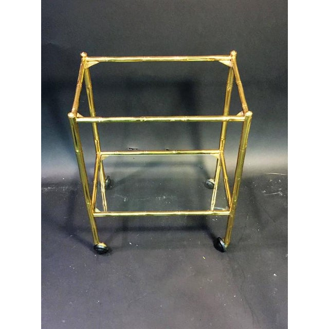 EXCEPTIONAL PAIR OF BAQUES BRASS BAMBOO NESTING TABLES ON WHEELS For Sale In Philadelphia - Image 6 of 10
