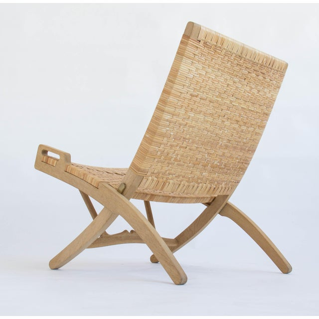 Caning Pair of Oak and Cane Folding Lounge Chairs by Hans Wegner for PP Møbler For Sale - Image 7 of 11