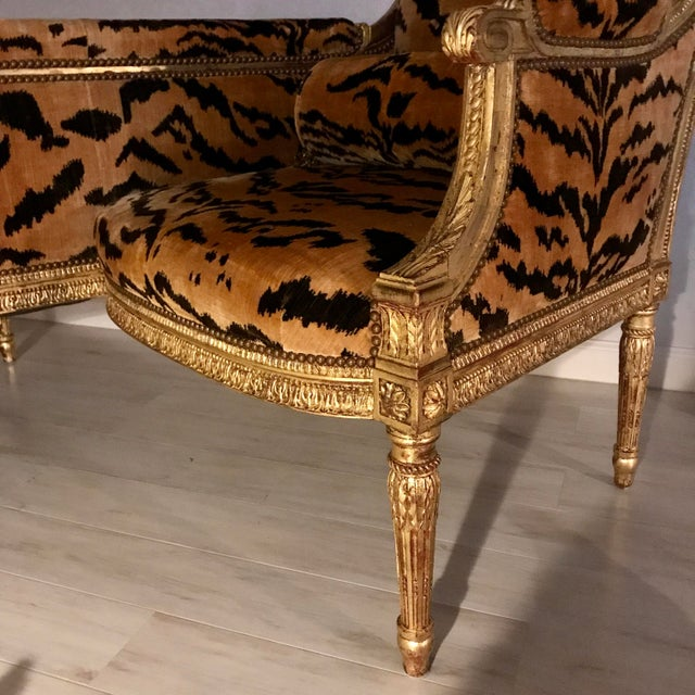 Vintage French Louis XVI Style Giltwood Tete-A-Tete Settee For Sale - Image 12 of 13
