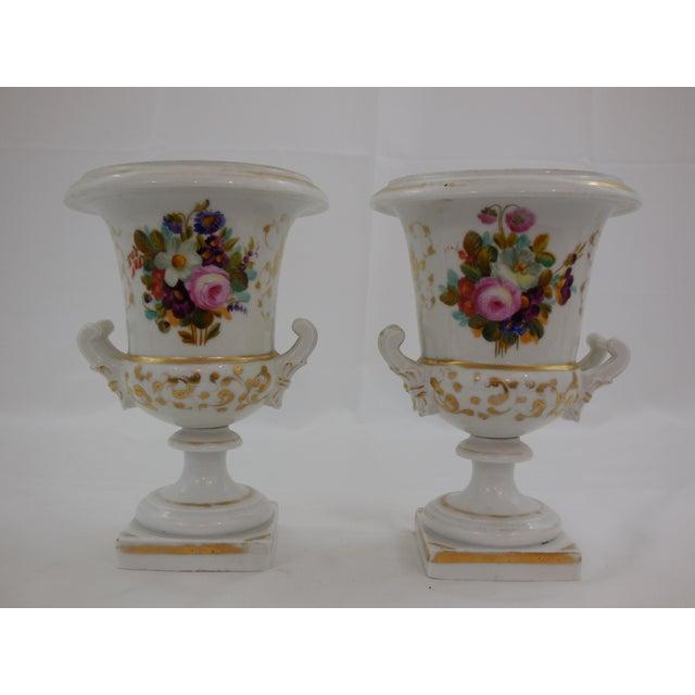 Old Paris Old Paris Medici Vases - a Pair For Sale - Image 4 of 4