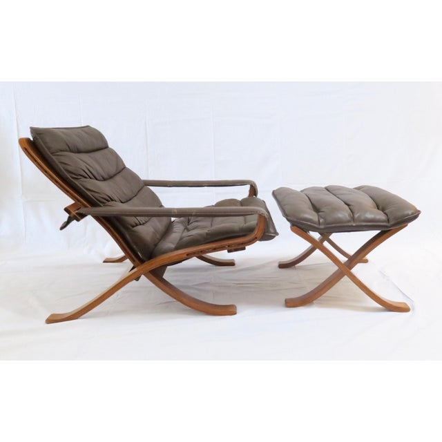 Folding Safari Chair by Ingmar Relling for Westnofa. Leather upholstery and arms, rosewood frame. Some damage to...