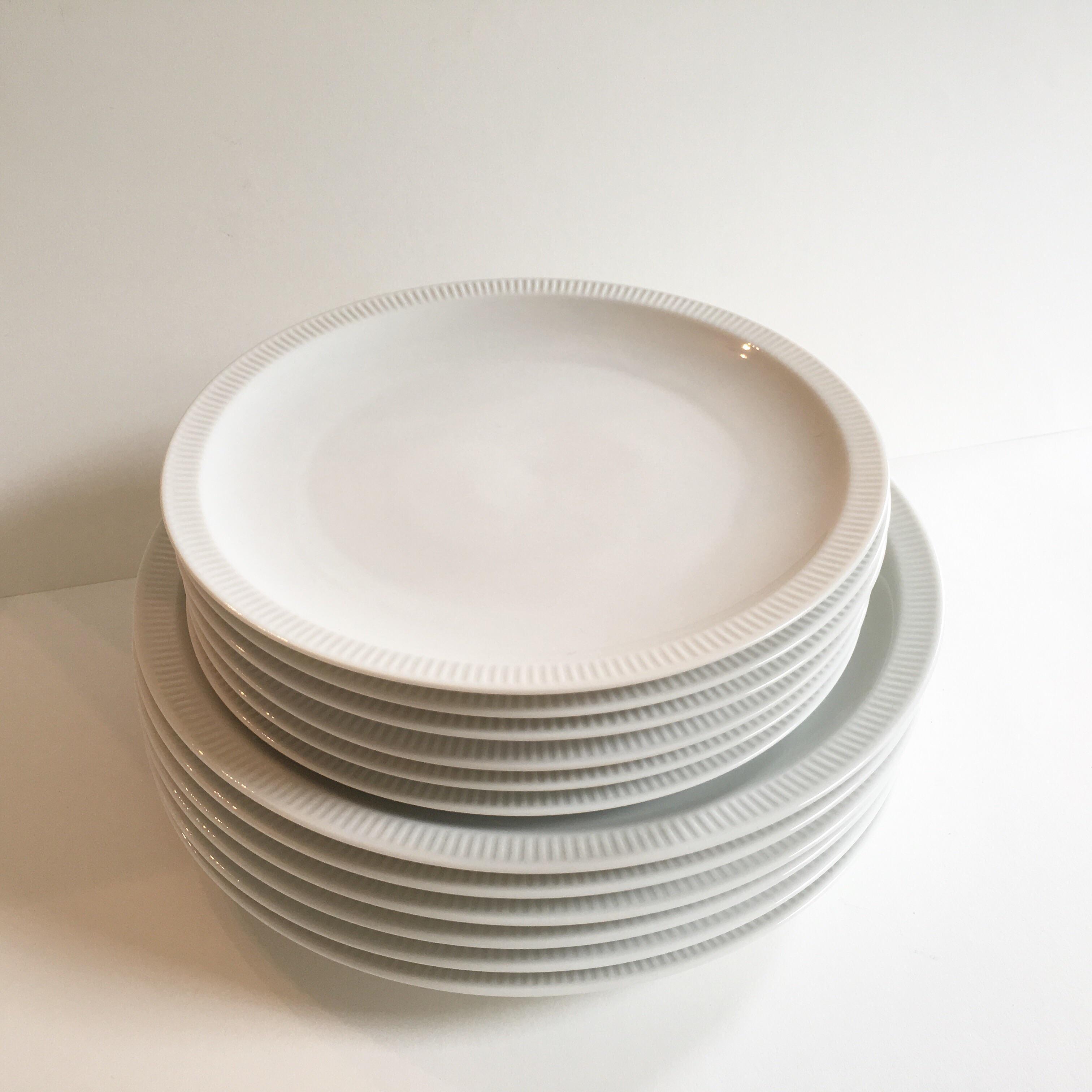 Mid-Century Arzberg u0027Athenau0027 Plates - Set of 12 - Image ... & Mid-Century Arzberg u0027Athenau0027 Plates - Set of 12 | Chairish