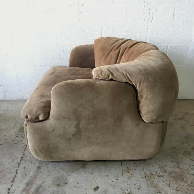 """Saporiti Rare Pair of Suede """"Confidential"""" Armchairs or Club Chairs by Alberto Rosselli For Sale - Image 4 of 9"""
