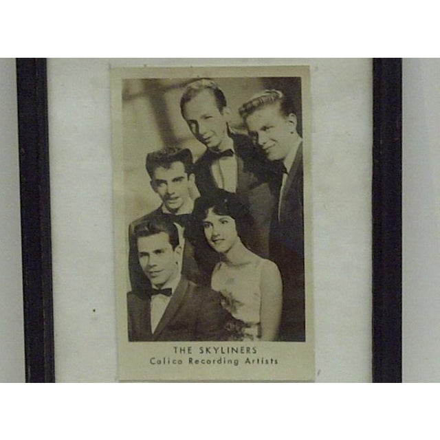 """Americana Vintage """"The Skyliners"""" Framed Promotional Black & White Photograph For Sale - Image 3 of 4"""