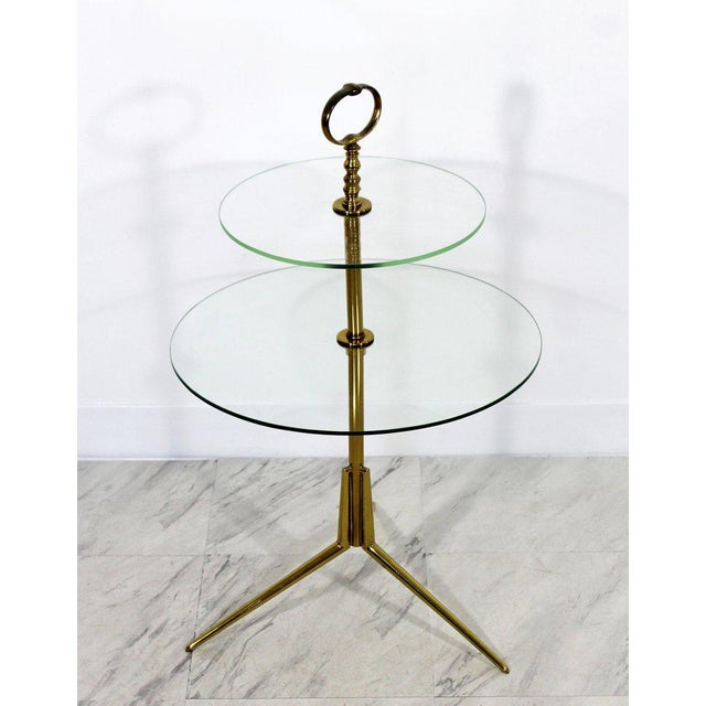 Hollywood Regency 1950s Mid-Century Modern Cesare Lacca Italian 2-Tier Brass Glass Side End Table For Sale - Image 3 of 6