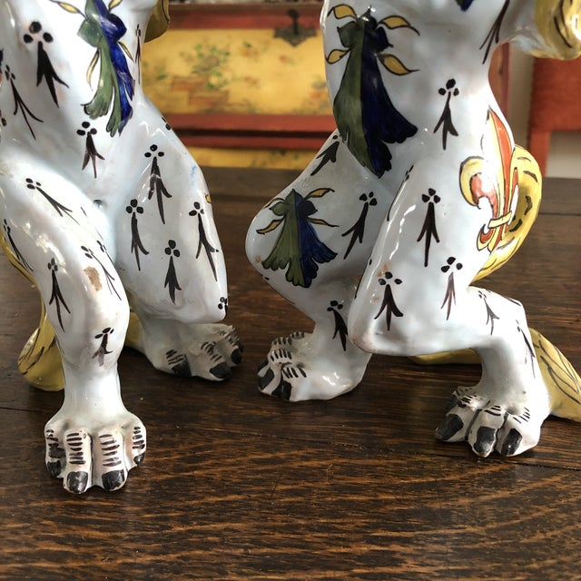 Mid 19th Century French Victorian Quimper Faience Ceramic Heraldic Lion Candlesticks - a Pair For Sale - Image 11 of 13