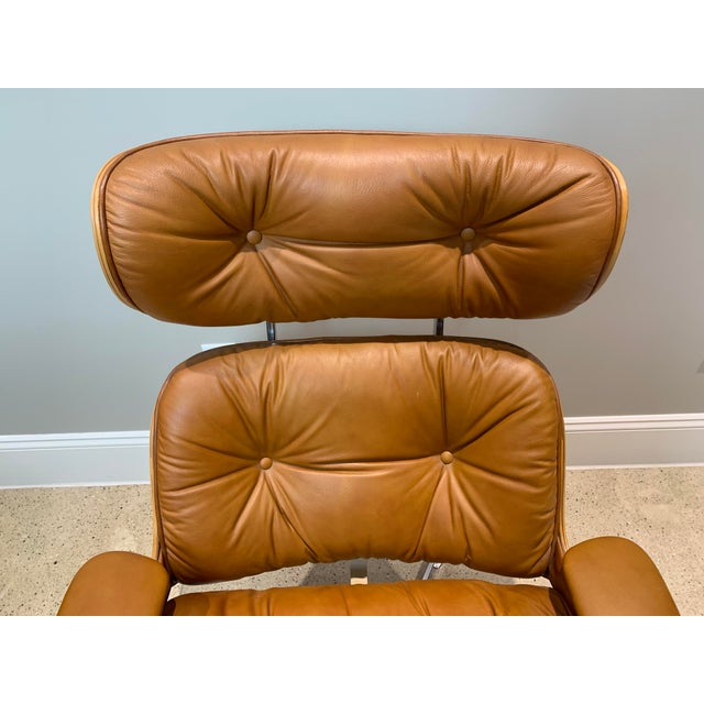 Wood Vintage Mid Century Selig Manufacturing Company Chair & Ottoman For Sale - Image 7 of 13