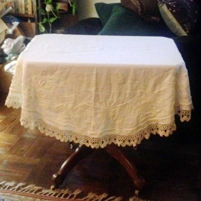Vintage Embroidered and Crochet Round Tablecloth - Image 10 of 10