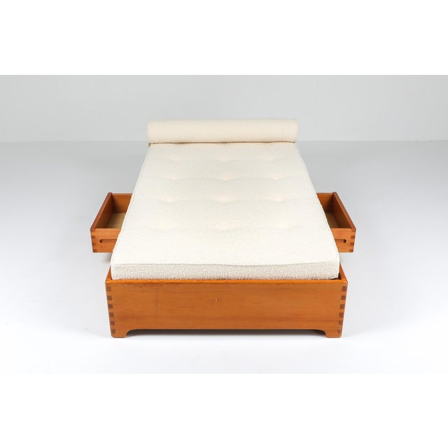 1960s 1960s French Elm Daybed in Boucle Wool For Sale - Image 5 of 8