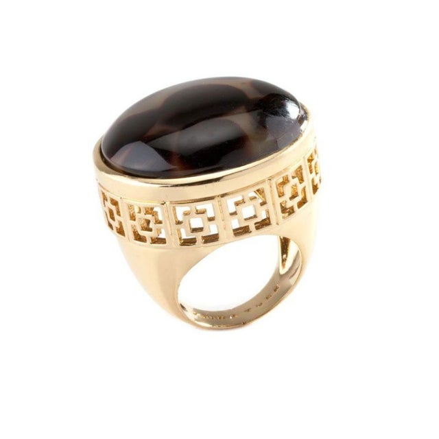 Trina Turk Oversize Faux Tortoise Gold Ring Size 7 For Sale