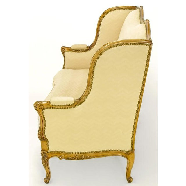 French Yale Burge Louis XV Wingback Settee For Sale - Image 3 of 9