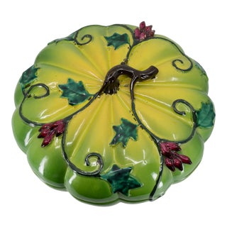 Late 19th Century Chinese Porcelain Footed Altar Box Melon Form Mottled Chartreuse Body With Twisting Vine Leaf For Sale