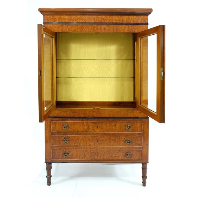Neoclassical Neoclassical Style Vitrine on Chest From Rho Mobili D' Epoca of Italy For Sale - Image 3 of 7