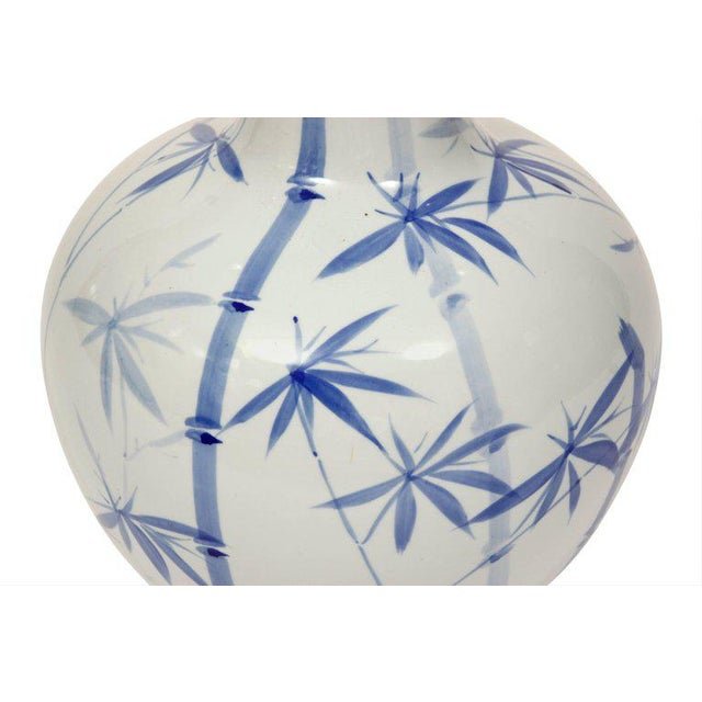 Pair of Blue and White Ceramic Lamps - Image 3 of 4