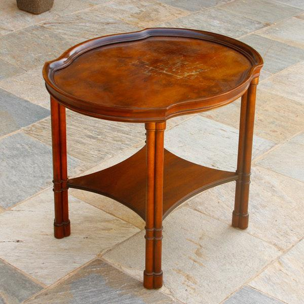 Chippendale 1970's Chippendale Hekman Walnut Inlay Veneer Side Table For Sale - Image 3 of 6