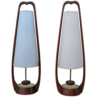 Mid-Century Modern Walnut Table Lamps by Modeline For Sale