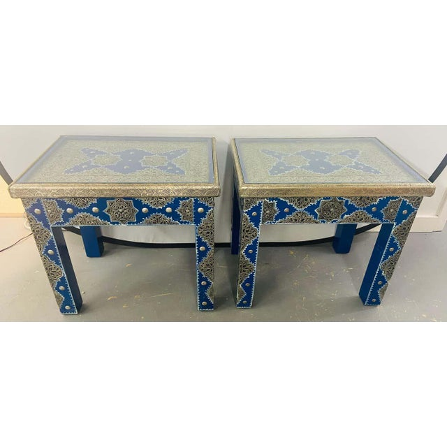 Hollywood Regency Hollywood Regency Style Moroccan Brass Blue Rectangular Side or End Table, Pair For Sale - Image 3 of 13