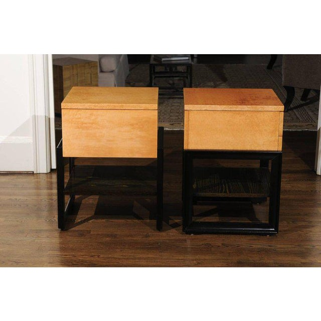 Magnificent Pair of End Tables by Renzo Rutili in Birdseye Maple, Circa 1955 For Sale - Image 9 of 13
