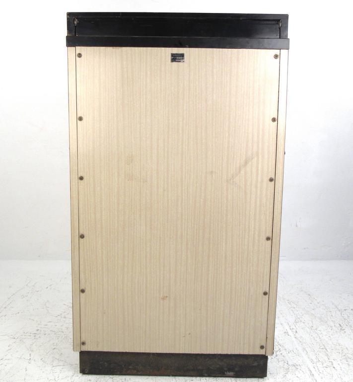 Vintage Medical Cabinet By W.D. Allison Co.   Image 3 Of 10
