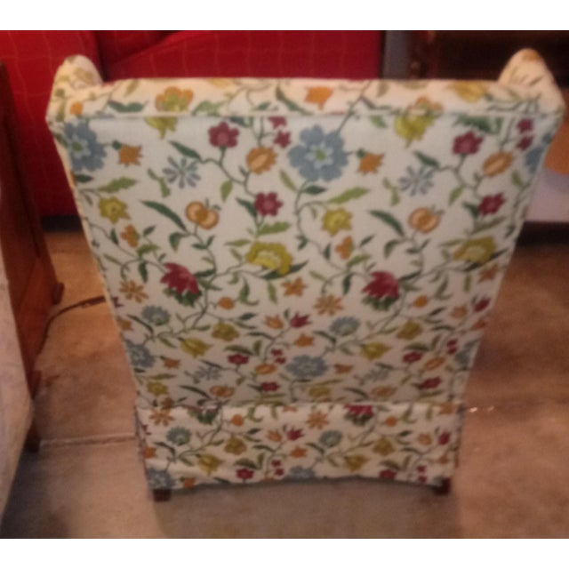 Been in storage for thirty years, looks like it was never used. Beautiful floral accent chair.